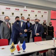 Umowa z wykonawcą elektryfikacji linii PKM podpisana